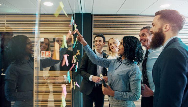 Wat is het verschil tussen zelfsturing en zelforganisatie